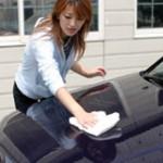 車を洗車する方法のご紹介!黒の車や新車でも傷をつけにくい方法は?
