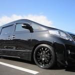 黒の車のおすすめなカスタムは?おしゃれなカスタム例をご紹介!