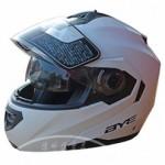 車のヘルメットの人気なメーカーやおすすめのヘルメットのご紹介!