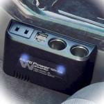 車でコンセントを使用できるようにするシガーソケットの変換用品は?