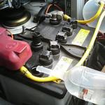 バッテリーの強化液や補充液でおすすめなのは?入れる時期もご紹介!