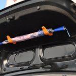 車で傘はどうしてる?おすすめの方法や置き場所、人気のグッズは?