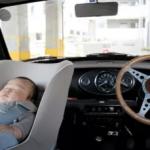 助手席のチャイルドシートは違反?事故の時の危険性や安全な向きは?